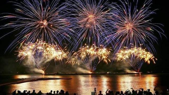 luchshie fejerverki stran azii pokazhut na festivale v pattaje