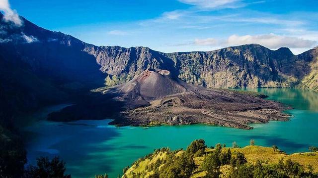 u vulkana v indonezii sozdadut otdelnye turisticheskie zony