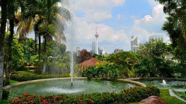 v malajzii vveli nalog na vyezd iz strany