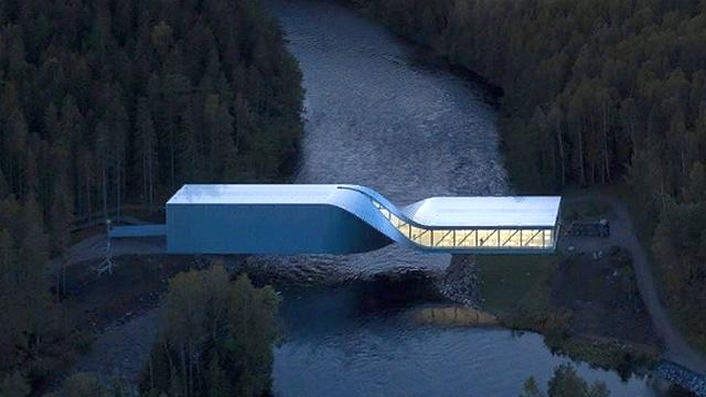 v norvegii otkryli odin iz samyh neobychnyh mostov v mire