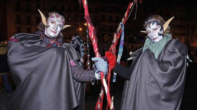 novogodnij karnaval v pamplone